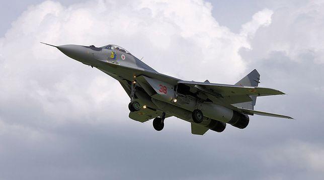 Lądowanie MiG-a-29 w Malborku. Pilot włączył awaryjne podawanie tlenu