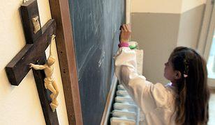 Zaledwie 9 proc. respondentów uznało, że w ich szkołach lekcje etyki i religii traktowane są w równoważny sposób.