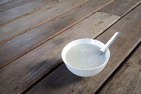Kleik ryżowy – jak go zrobić i jak podawać?
