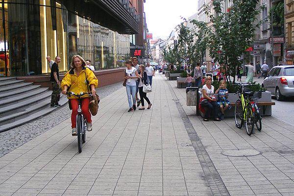Ścieżka rowerowa na Półwiejskiej w Poznaniu?