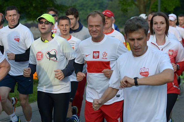 Donald Tusk pobiegł w Biegu Wolności w Warszawie