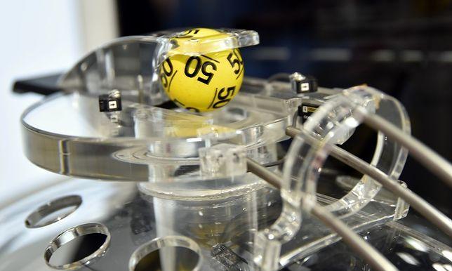 """Wyniki Lotto. W sobotę znowu nie padła """"szóstka"""", kwota kumulacji rośnie"""