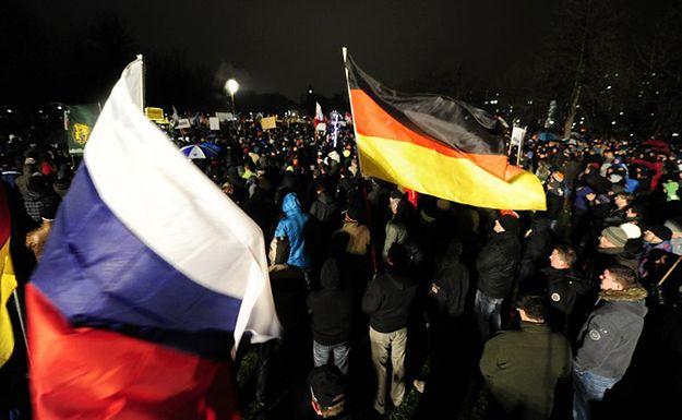 """""""Rozumiejący Rosję"""" w Niemczech. Piąta kolumna Kremla?"""