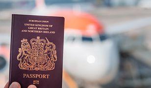 Niedługo brytyjskie paszporty zmienią kolor. Po wyjściu z UE będą niebieskie.