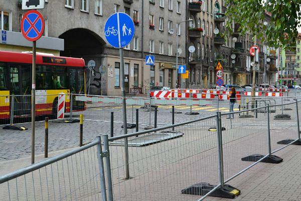Wrocław: utrudnienia przy wjeździe do miasta - potrwają do końca wakacji