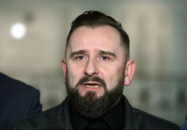 Od lutego 2017 r. Piotr Liroy-Marzec nie jest już w klubie poselskim Kukiz'15