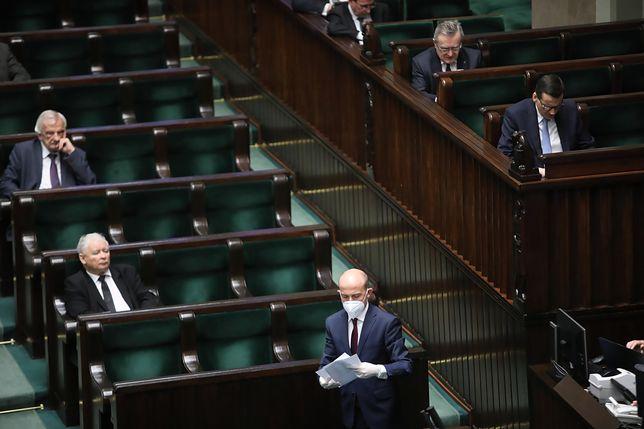 Koronawirus w Polsce. Posłowie opozycji składają protest ws. poniedziałkowego głosowania
