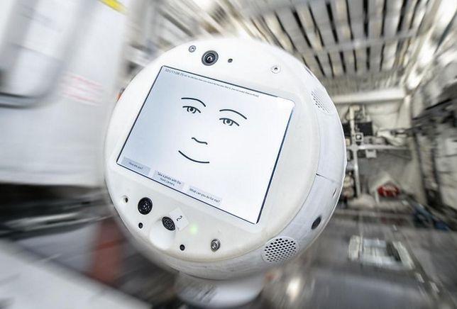 CIMON 2 to bardziej zaawansowana wersja robota