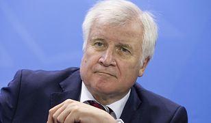 Horst Seehofer domaga się zaostrzenia przepisów dotyczących imigrantów