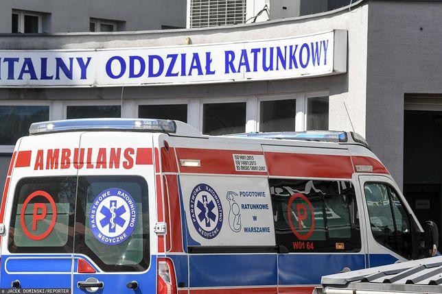 Warszawa. Kobieta wraz z dzieckiem, które urodziła na Wisłostradzie, trafiła do szpitala