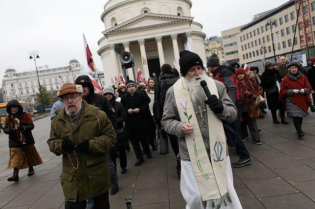 Krucjata Różańcowa przejdzie przez Śródmieście. ZTM ostrzega przed utrudnieniami