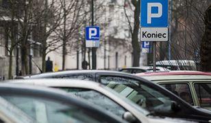 Warszawa. Opłaty parkingowe w Warszawie na razie nie zostaną zniesione.
