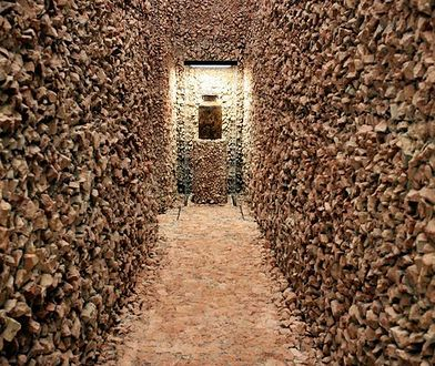 Dokumenty z Holokaustu znalezione w metalowych skrzyniach. Podziemne archiwum Warszawskiego Getta już dostępne