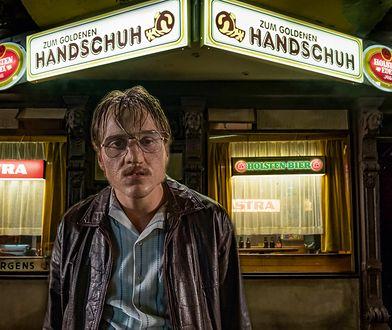 Zmieniony nie do poznania Jonas Dassler jako Fritz Honka