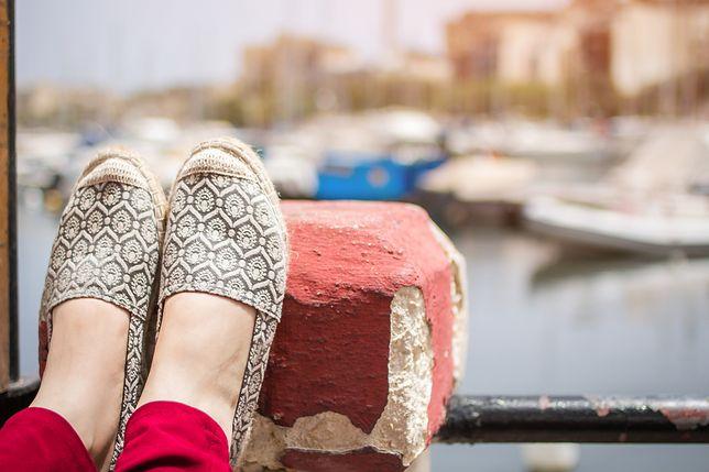 Na urlop, na zakupy, na co dzień - espadryle to wygodne i modne buty