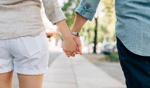 Internauta pyta, czy jest możliwe zakochanie się w starszej o 10 lat mężatce