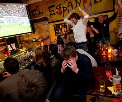 Faceci tylko udają, że lubią piłkę nożną! Dlaczego?