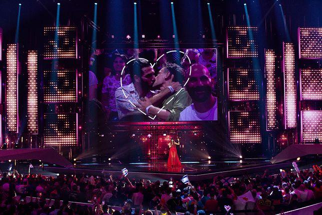 Eurowizja 2019. Pocałunek gejów w TVP