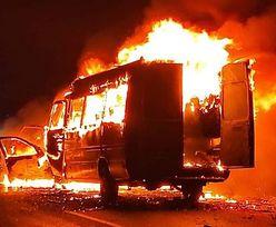 Bus koszykarek spłonął doszczętnie. Jedna osoba nie żyje [WIDEO]