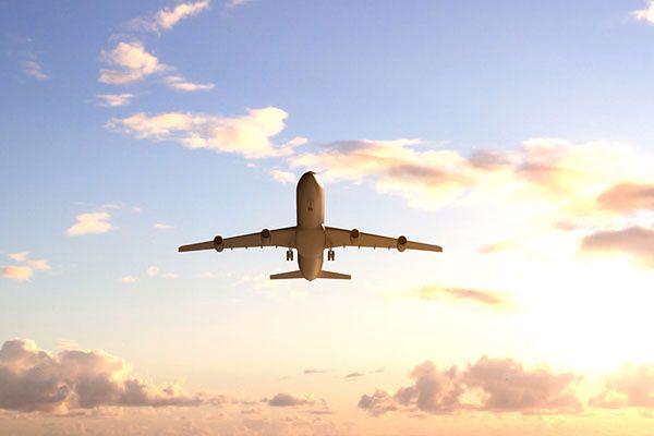 Ostrzelano lądujący w Pakistanie samolot pasażerski, 1 osoba nie żyje