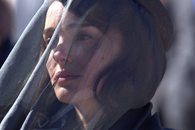 ''Jackie'': Natalie Portman opłakuje Johna F. Kennedy'ego [WIDEO]