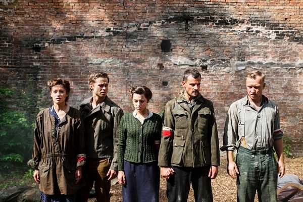 Chcesz podziękować Powstańcom Warszawskim? Wyślij kartkę w ramach akcji BohaterON – włącz historię!