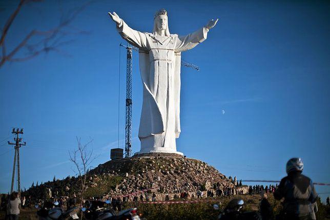 """Z pomnikiem Jezusa Chrystusa w Świebodzinie związana jest """"antenowa kontrowersja"""""""