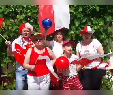 """""""Team Nawałki najlepszy jest"""". Nagrali w ogródku piosenkę na mundial, która staje się hitem internetu"""