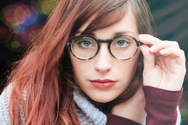 Jednorazowe okulary mają negatywny wpływ na wzrok i środowisko