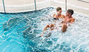 Warto skorzystać z rozbudowanej strefy basenowej