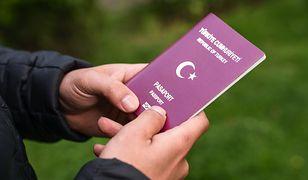 Cudzoziemiec z kserokopią tureckiego paszportu. W Polsce przebywał nielegalnie