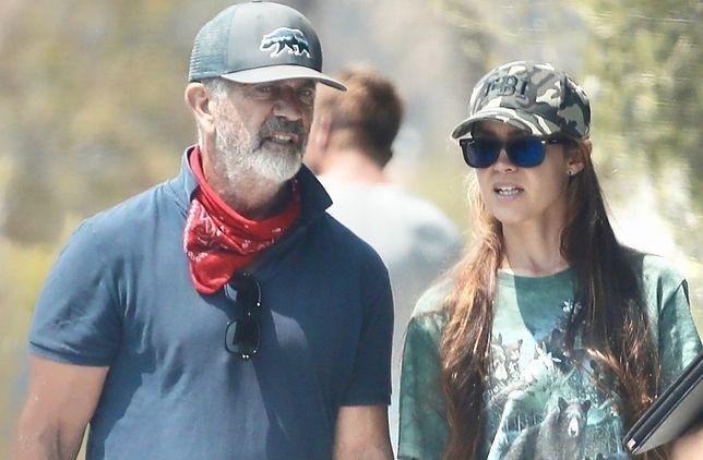 Mel Gibson ze swoja dziewczyną