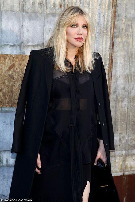 Courtney Love przed pokazem wiosenno-letniej kolekcji 2016 Givenchy
