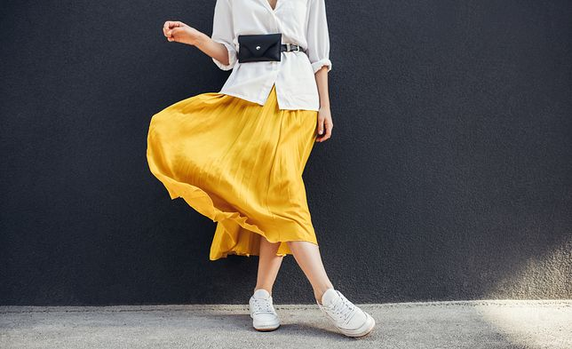 Żółty kolor świetnie się prezentuje z bielą i czernią