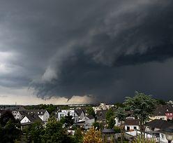 Trąby powietrzne nad Polską. Wiatr zerwał dachy domów na Śląsku