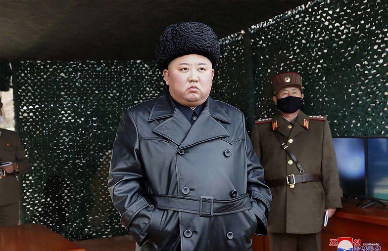 """Kim Dzong Un ma być w """"poważnym stanie""""."""