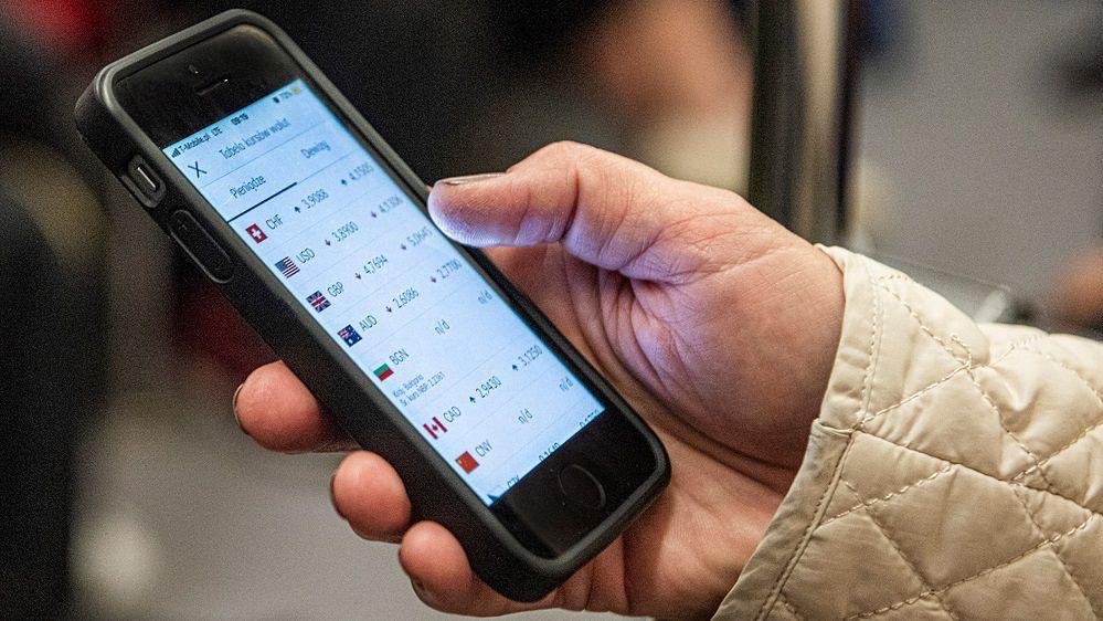 Polacy nie boją się hakerów. Eksperci: Zagrożenia są ogromne, a smartfony mamy słabo zabezpieczone