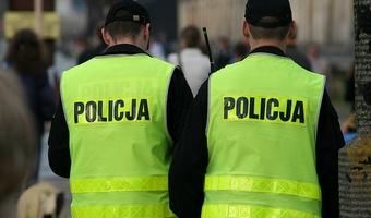 Policjanci grożą strajkiem i chcą rozmów z premierem