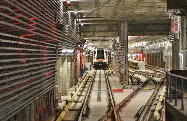 Próbna jazda centralnym odcinkiem II linii metra - zobacz film