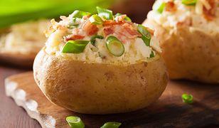 Ziemniaki pieczone w mikrofalówce. Szybkie i smaczne