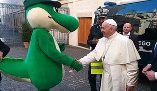 Krokodyl Tirek odwiedził papieża Franciszka 10 października