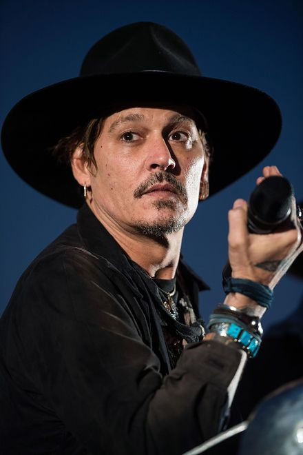 Johnny Depp podczas festiwalu Glastonbury
