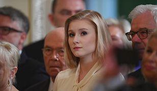 Kinga Duda ukończyła studia prawnicze w Krakowie