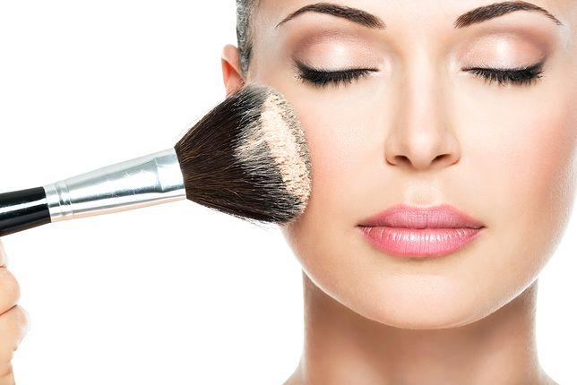Jaki prezent wybrać dla miłośniczek makijażu? Sprawdź nasze inspiracje!
