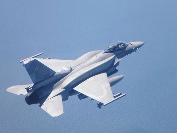 Polski myśliwiec F-16 Jastrząb