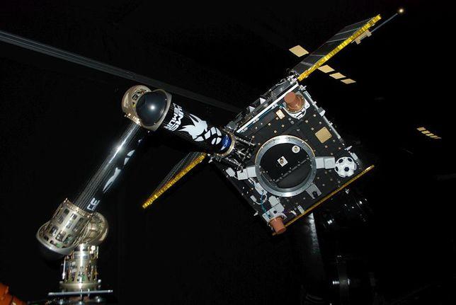 Warszawscy naukowcy budują robotyczne ramię. Pomoże w sprzątaniu kosmosu