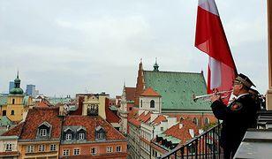 Warszawa. Straż Miejska odegrała hymn z Zamku Królewskiego