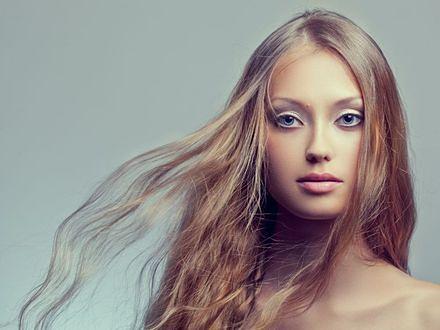 Kolor włosów a makijaż ślubny
