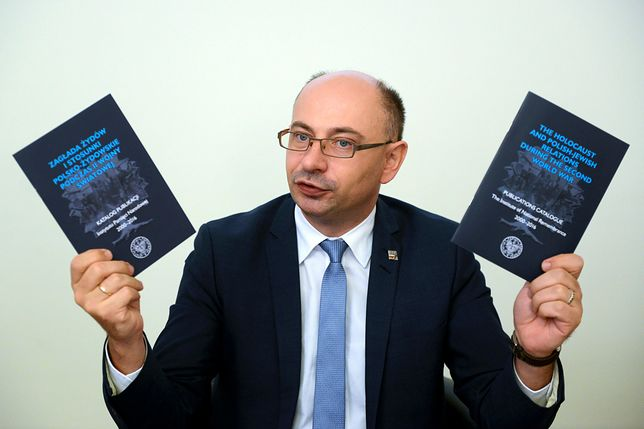 Nietypowy prezent dla pasażerów lotu do Tel Avivu. Dostaną książkę o Żydach w Polsce