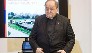 Ojciec Tadeusz Rydzyk podczas podpisania umowy na dofinansowanie Geotermii Toruńskiej.